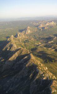 Le massif des Alpilles vu du ciel